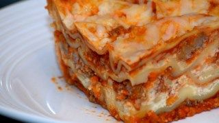 Mushrooms, onions and ground beef in a ready-made pasta sauce are layered with cottage cheese, ricotta cheese and Parmesan between uncooked lasagna noodles. Sprinkle mozzarella over the top and bake. It's that simple!
