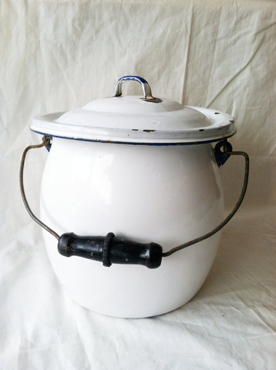 Vintage Enamelware Chamber Pot Thunder Pot With By