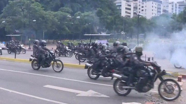 Venezuela crisis: Deadly clashes amid tense election for assembly