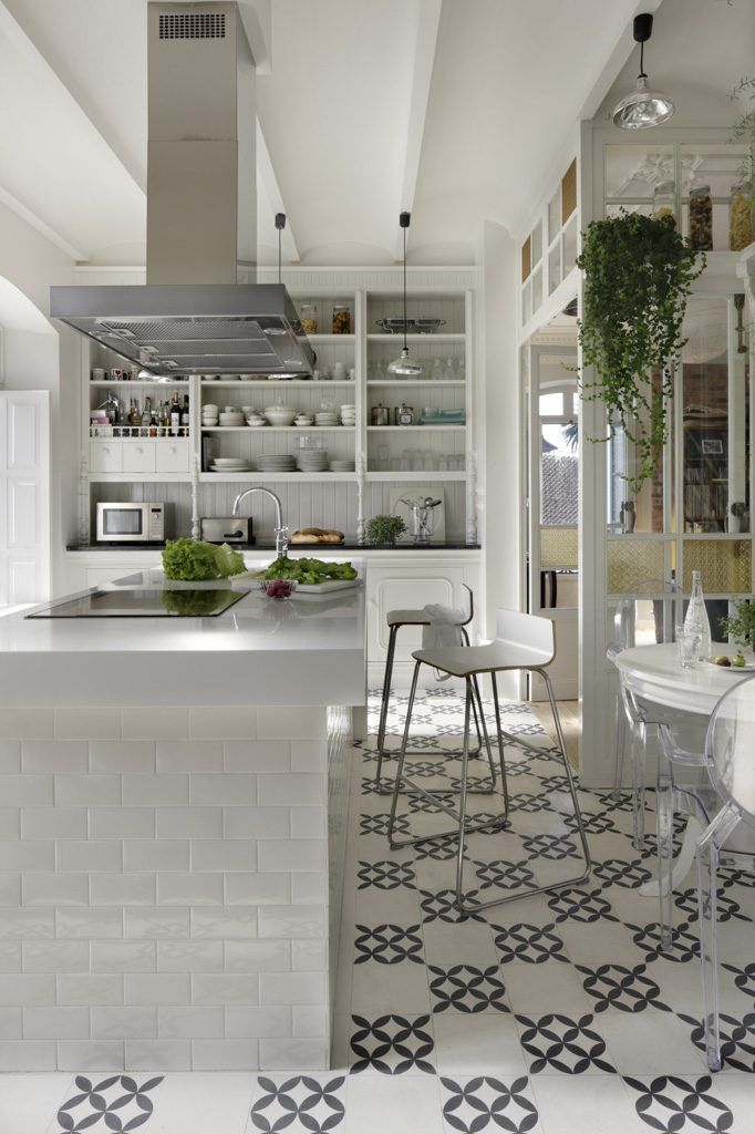 Madrid Apartment | Modern Kitchen