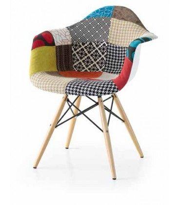 Personalizza il tuo ambiente con questa #sedia moderna, con gambe in faggio, seduta in stoffa. Comodissima e attuale nel design.