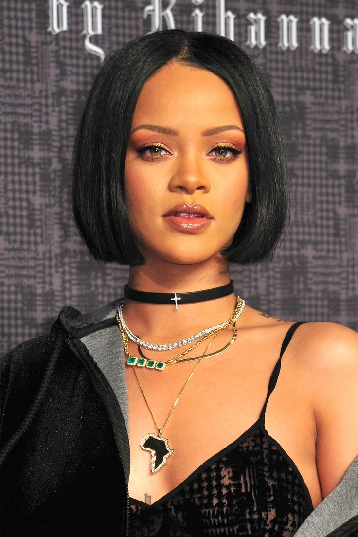 The Beauty Evolution of Rihanna, from Island Girl to Fashion Icon | Teen Vogue