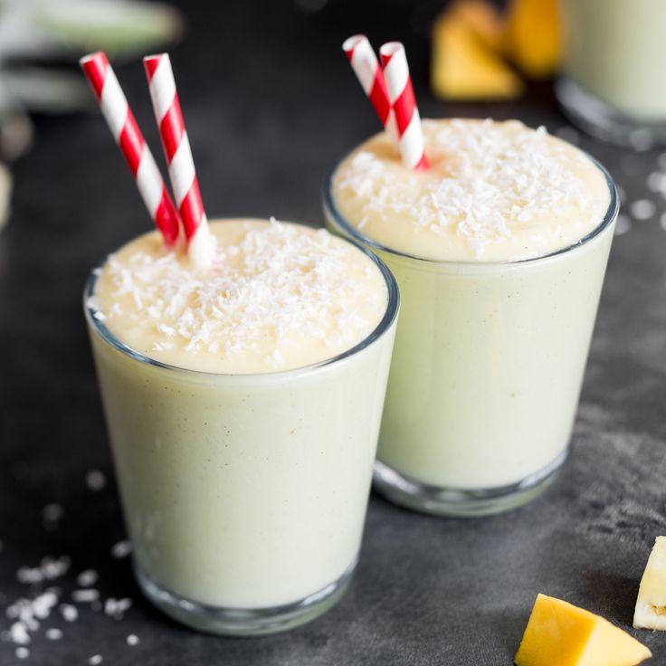 Die Basis: Ananas und Mango. Dazu Limette, Kokosmilch und Kokosflocken - für die Frische, die Cremigkeit und das karibische Gefühl.