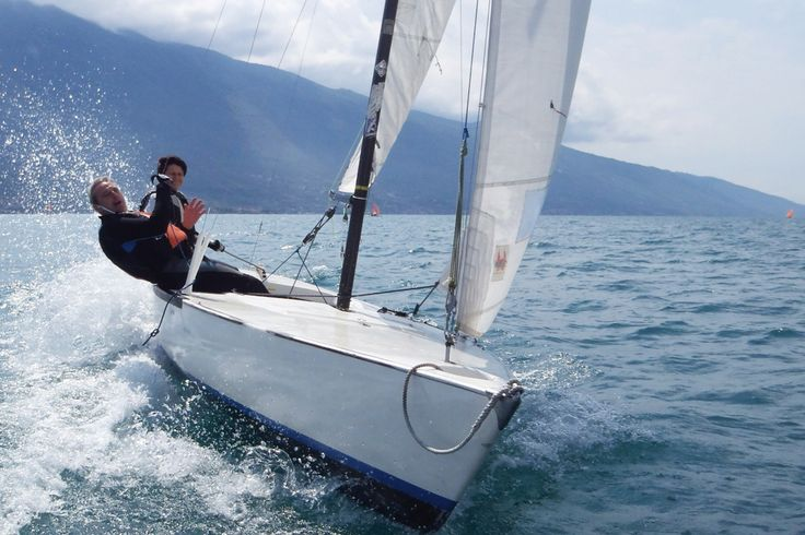 #sailing #garda #strategy Think&Sail a new innovative experience matching water sports and strategic workshops More on  http://thinkandsail.com/programm-think-and-sail-stickl-conzepta/