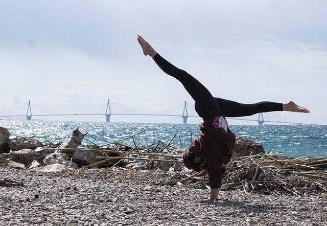 #yogaeveryday #yogaeverywhere  #yogachallenge  #yogaeverydamnday #handstandnation #yogaathens #yogagreece #drepano #erasmiadimoula #yogasmia