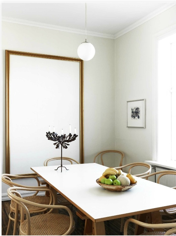 .: Decor, Tables Chairs, New Home, Large Mirror, Bentwood Chairs, Simple Dining Rooms, Dining Tables, Delicious Magazines, Living Content