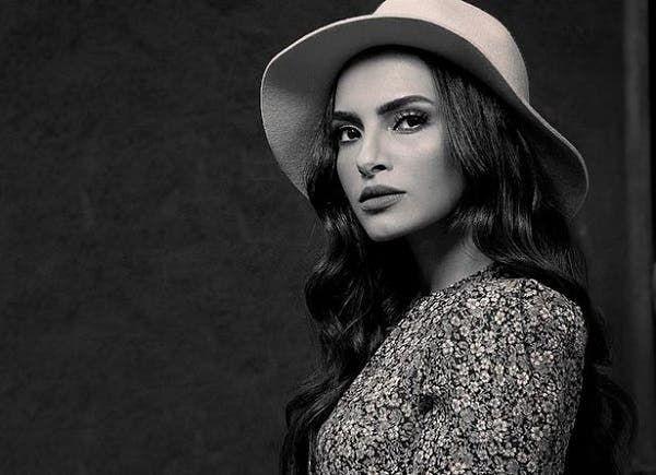كارمن سليمان تطرح كليب أحدث أغانيها الذكرى الشتوية In 2021 Fashion Fedora