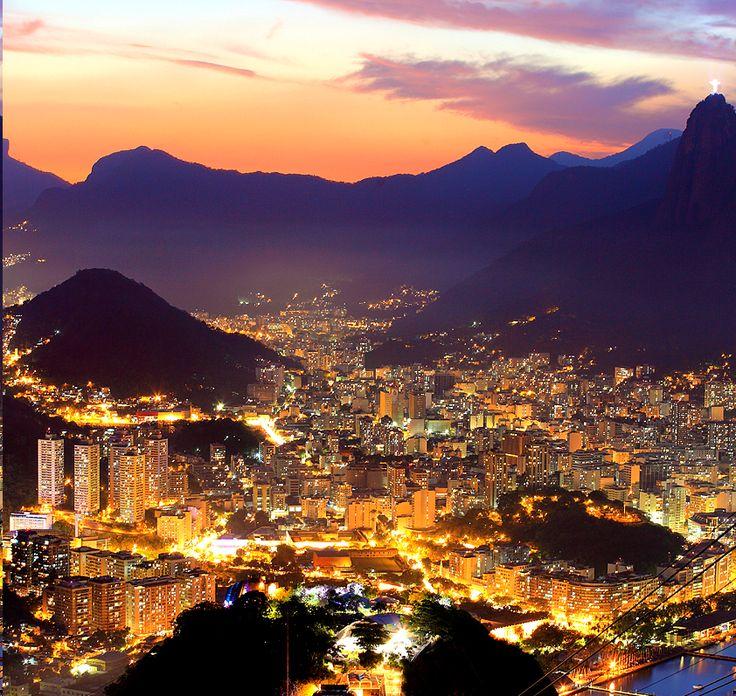 Rio at night. Isn't it amazing? #rio #de #janeiro