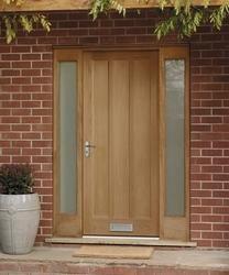 External Worcester Oak door | External hardwood doors | Doors & joinery | Howdens Joinery