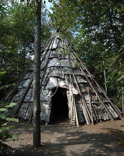 Wigwam at Thunder Bay Old Fort William (Historical Park)
