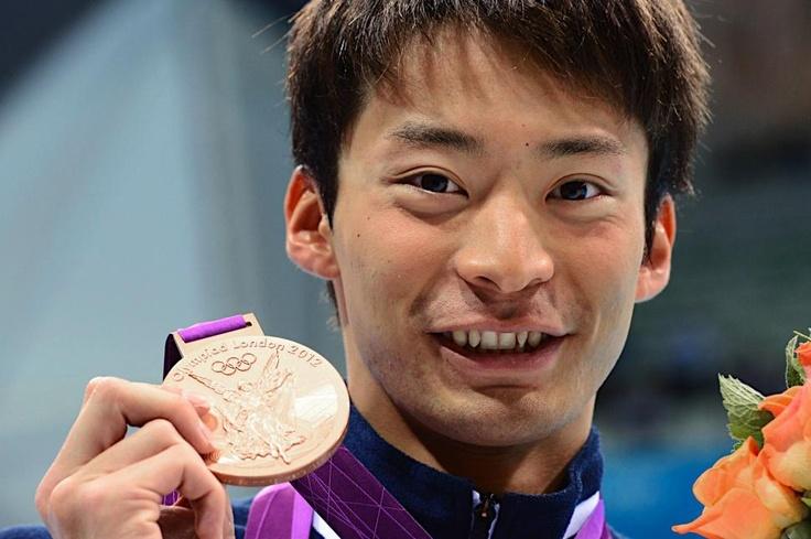 五輪・競泳 男子100メートル背泳ぎで銅メダルを獲得した入江陵介
