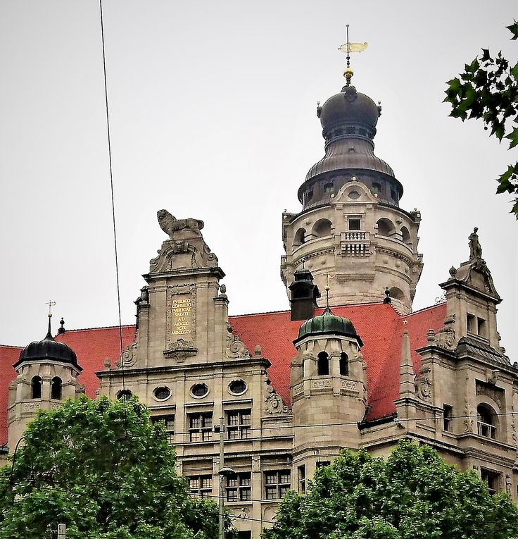 Neues Rathaus, Leipzig, Germany.