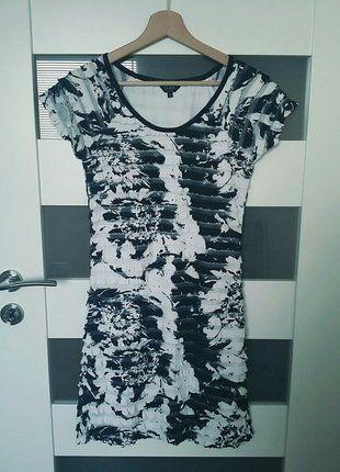 Kup mój przedmiot na #vintedpl http://www.vinted.pl/damska-odziez/krotkie-sukienki/16451998-savida-droga-sukienka-falbany-floral-36-s-idealna-blackwhite