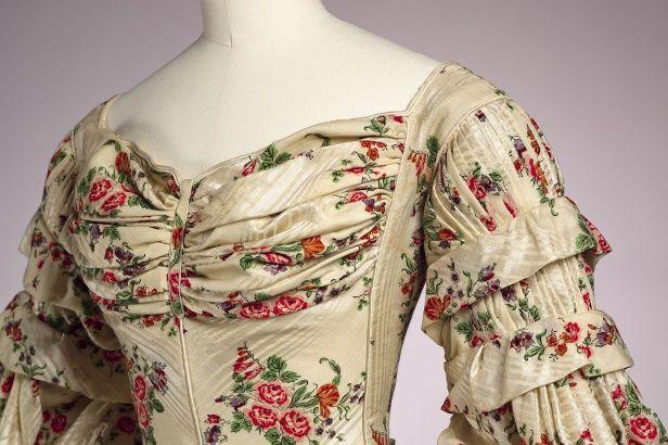 Japon (gedragen als trouwjapon), Nederland 1835, wollen mousseline met zijde