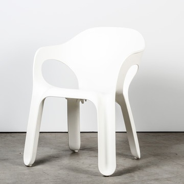 Easy Chair White by Jerszy Seymour for Magis #productdesign #industrialdesign #furnituredesign