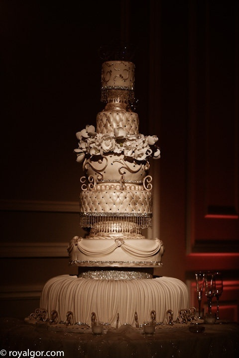 grand wedding cakes 17 best images about fabric ruffles pleats etc cakes on 14898