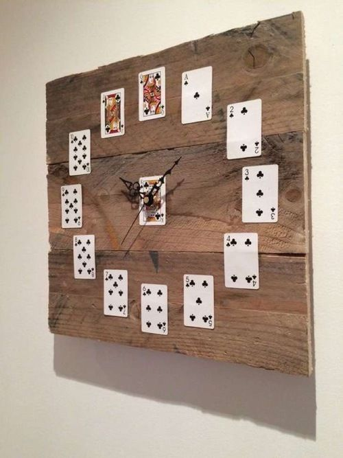 Poker I Card I Casino inspired  wall clock - wooden base #casino #cards #clock #poker