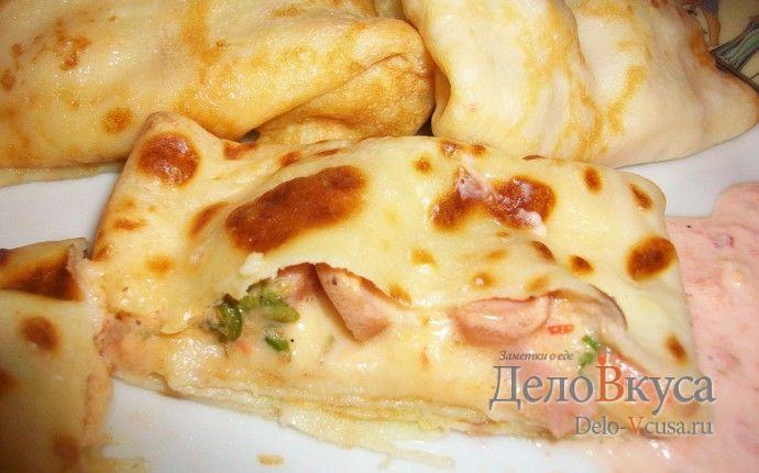 Рецепт приготовления блинчиков с начинкой из сосисок, твердого сыра, зелени, помидор и майонеза с пошаговыми фотографиями. Блинчики на молоке приготовить... сосиски