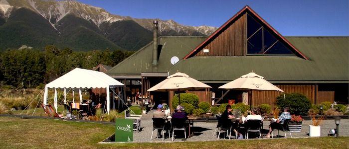 Alpine Lodge, St. Arnaud, Lake Rotoiti, Nelson Lakes National Park, New Zealand. Accommodation, cafe and restaurant; near Rainbow Skifield