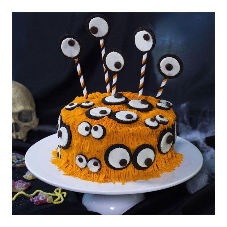 Ah ca a été dur de choisir pcq j'adore le cheesecake mais c'est le gâteau Halloween qui a remporté mes faveurs! Je me suis bien amusée à lui mettre des yeux partout à ce monstre... Et je vois que les candidats #LMP ont bien joué le jeu aussi, hihi. Maintenant c'est à vous de choisir votre gâteau effrayant. {🎃Recette en vidéo sur le blog ce soir} #lmp #lemeilleurpatissier #halloweencake #halloween #monster