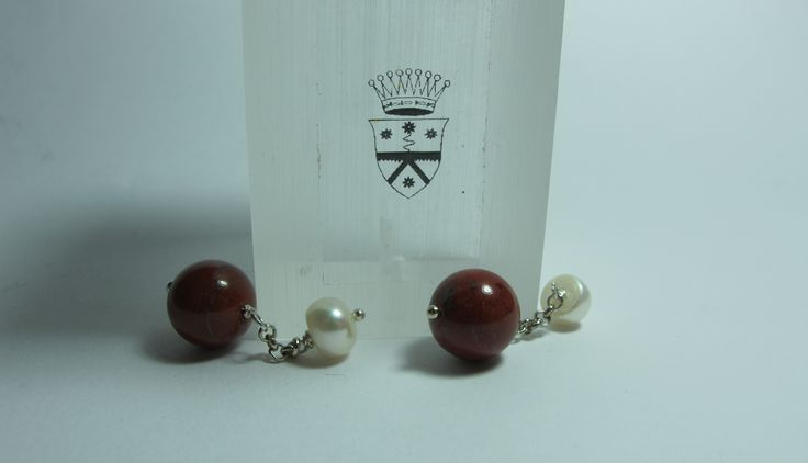 Cufflinks with red jasper 1st quality freshwater pearls. Nickel free steel chain
