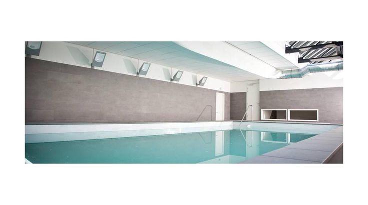 Binnenbad van witte HDPE-platen | Aqua Unique