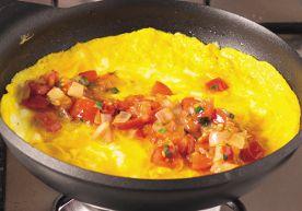 Omelette farcita con pomodoro