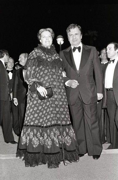 """Michel Galabru s'est éteint ce lundi, à l'âge de 93 ans. L'acteur, né le 27 octobre 1922 à Safi au Maroc, est décédé à 5h30. Il était l'un des acteurs français de théâtre et de cinéma les plus populaires. Il avait mis sa faconde au service de nombreuses oeuvres de répertoire et de boulevard, ou de films comme """"Le juge et l'assassin"""" de Bertrand Tavernier, qui lui avait valu un César du meilleur acteur."""