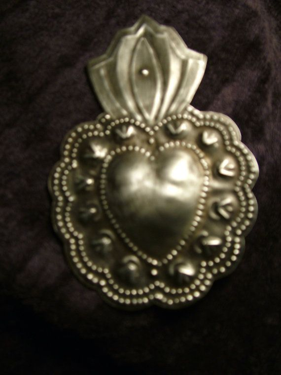 Sacred Heart with scalloped edges. by giftedhandsstudio on Etsy
