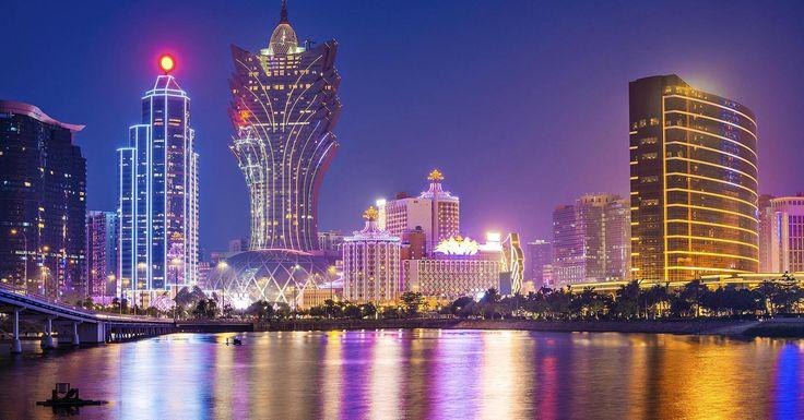"""Macau 1980 población: 243.000; 2015 Población: 584.000 El juego quedó legalizado en la colonia portuguesa deMacao en la década de 1850, y gracias a ello la ciudad se ha convertido en el """"MonteCarlo de Oriente"""". Es el único lugar deChina en donde los casinos son legales, y millones de visitantes llegan cada año desde la …"""