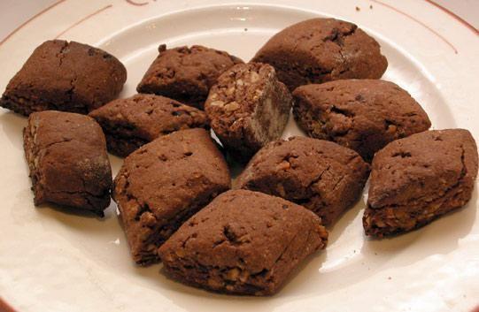 Adattissimi per merenda con un buon tè o come dessert. http://pugliamonamour.it/pupatielli-con-il-vincotto/