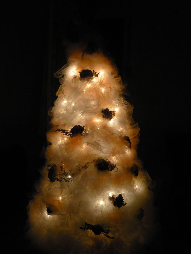 Rbol de navidad con tul y luces decoraciones de navidad decoracion navidad navidad y luces - Luces arbol de navidad ...