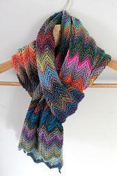 http://www.ravelry.com/projects/bogusiamajewska/zickzack-scarf