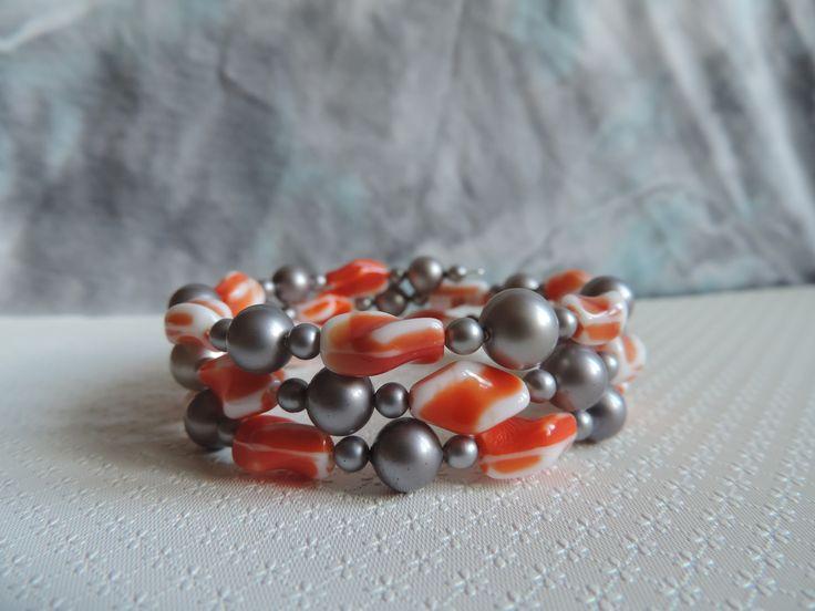 Bracelet 3 rangs, fil à mémoire de forme, perles vintage en verre : Bracelet par made-in-maud
