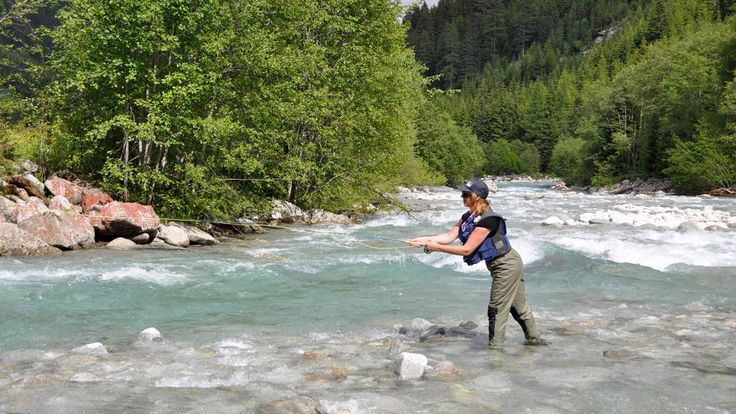 """Nasce a #Carrara la prima """"costola"""" italiana di Casting for #Recovery, l'ONG che con la #pesca a mosca è prezioso sostegno, riabilitativo e psicologico, per le donne che lottano contro il #cancro al seno."""