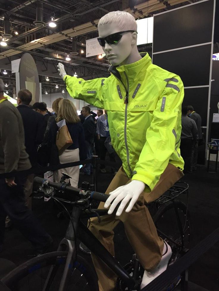 Visijax presentó en el #CES2015 su Highlight Jacket, una chamarra con luces LED ideal para ciclistas.