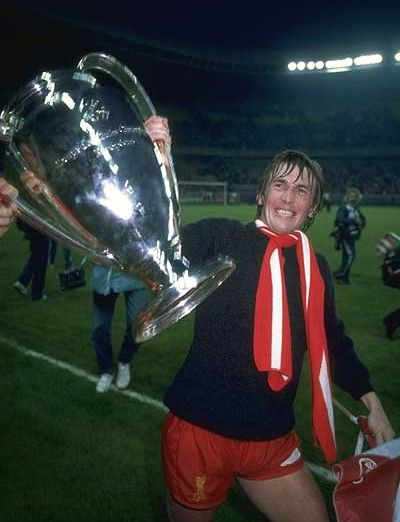 ♠ May 27, 1981 - Kenny Daglish celebrates after Liverpool won the 1981 European Cup Final #LFC #History #Legends
