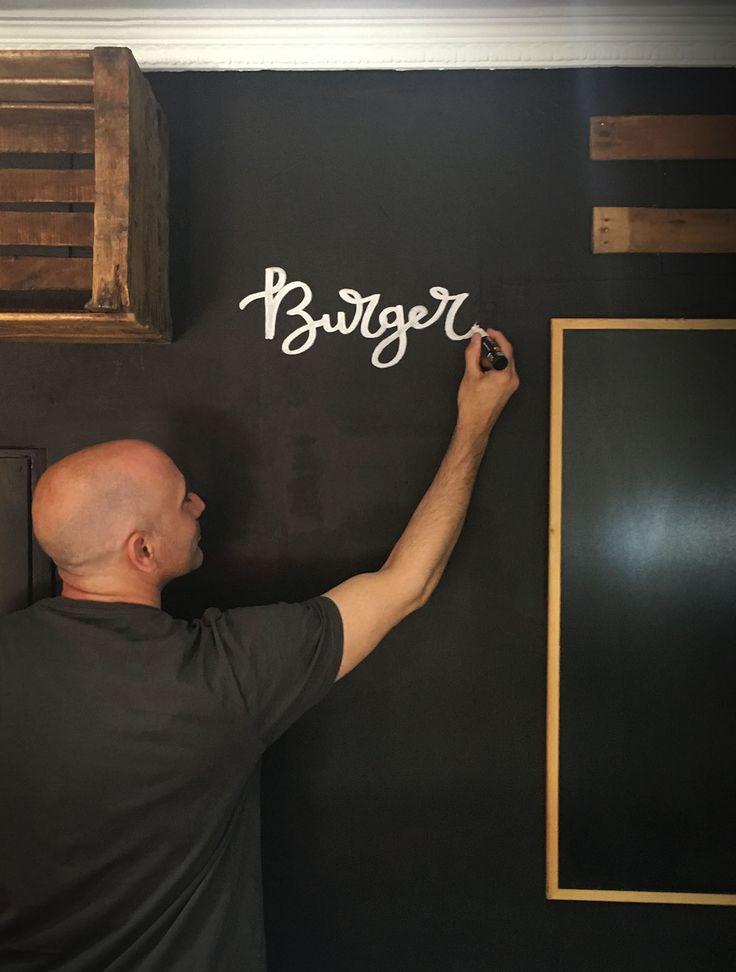 Pintando las paredes de La Zurbanita. Craft Beer shop