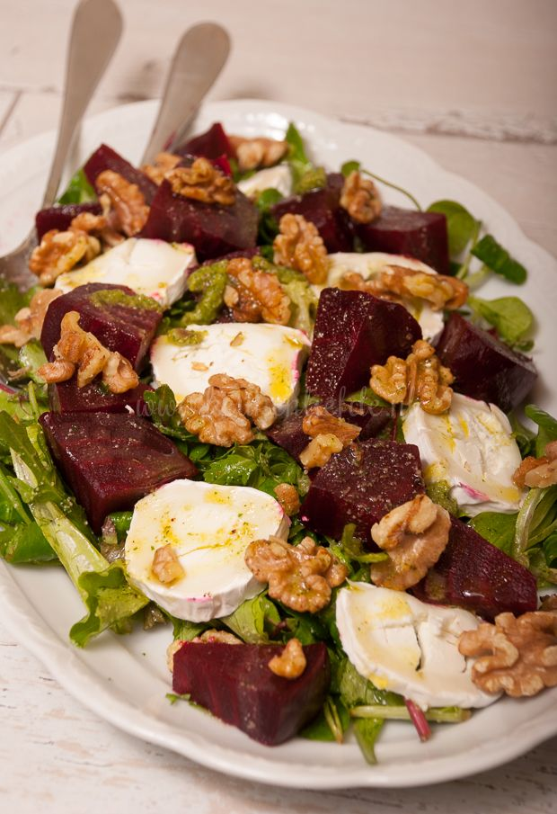 Bietensalade met geitenkaas ( heerlijk vooral de walnoten pesto)