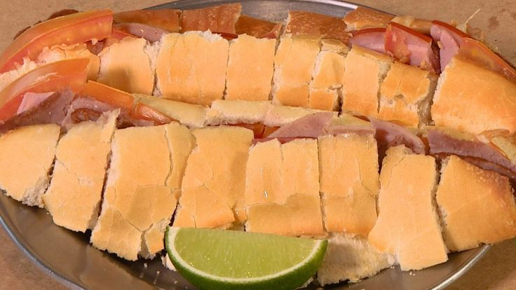 Na Hora do Rancho, Genilson Urcino, chef de um dos bares mais antigos de Campinas (SP), ensina a preparar dois lanches tradicionais.