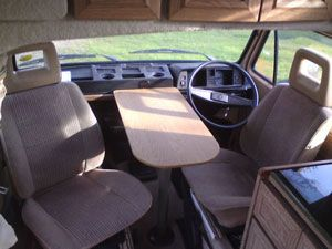 VW T25 Autohomes Komet Removable Front Table