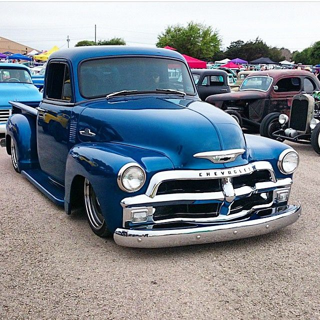 """Ol blue ridin low leaving the roundup.  @bagged_53 #chevrolet #chevy #chevytruck #classic #classictruck #mobsteel #detroitsteelwheels #lonestarroundup…"""