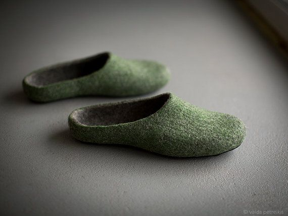 Felted men slippers Mens house shoes Green dark grey slippers Natural wool clogs Eco friendly Christmas gift for him Felted wool clogs