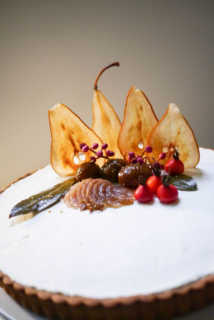 Festive Cake Decorating