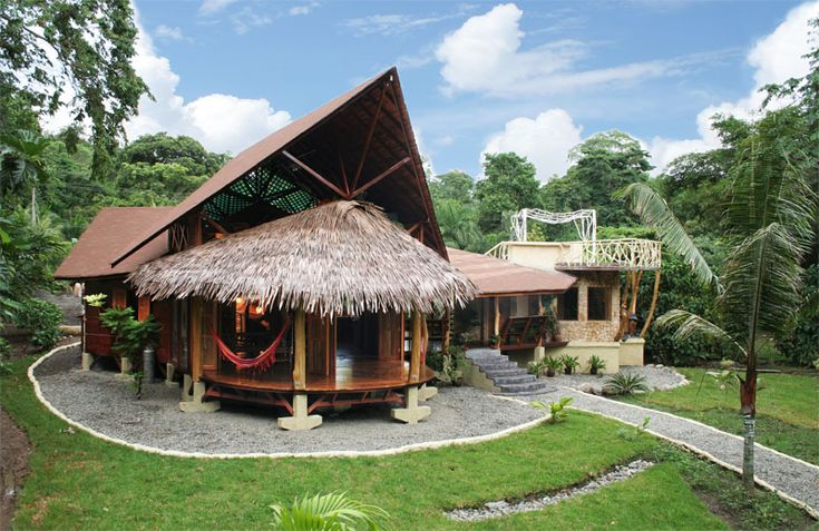 Natural and Eco-friendly Tree Houses For Rent in Costa Rica