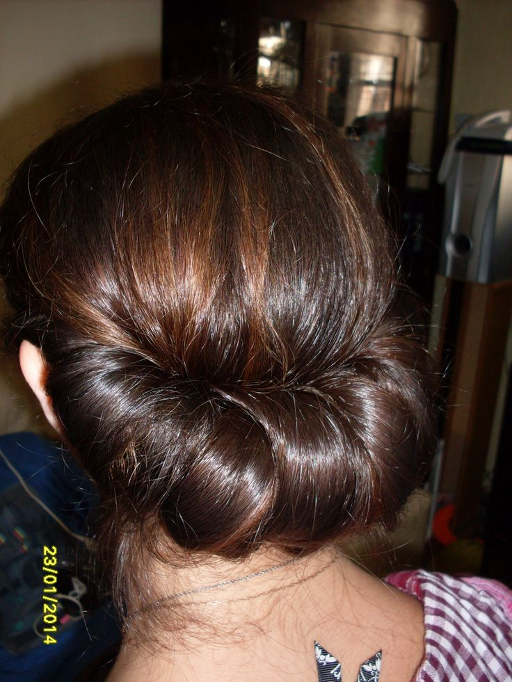 cabello tomado con diadema