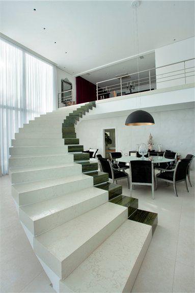 Escalera en Residencia JN, Campinas, Brasil - Arquitectura y Diseño Interior por PUPOGASPAR - 2012.