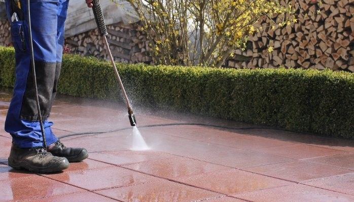 High Pressure Washer Makes Easy Work Of Cleaning The Exterior Siding Of Your Home Barn Or Garage Cleaning Cement Wa Pressure Washing Pressure Washer Cleaning