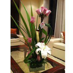 Floreria Tuktu | 10 Rosas rosadas en topiario