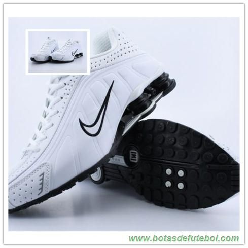 promo code bb8c4 6f4a7 Masculino 103161 Nike Shox R4 Masculino Branco Preto chuteiras venda ...